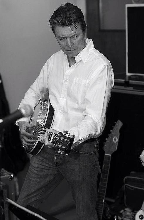 Bowie banjo
